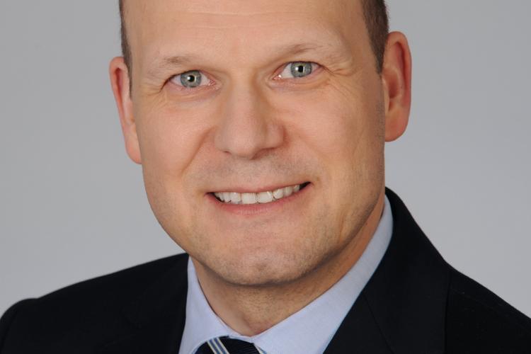 PRReport | Simon Steiner kehrt zu Hering Schuppener zurück